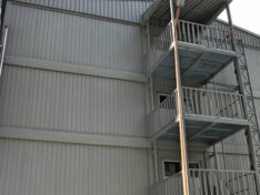 Stiegenkonstruktion Containeranlage
