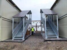 Stiegen und Containertreppen Aussentreppen Containeranlage Schwechat Flüchtlingslager