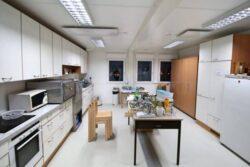 CHV Modulare Raumlösung Containeranlage Inneaustatung Vollwertige Küche Schule Währing