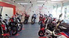 CHV-Containeranlagen-Motorradverkauf-Faber-innen-rechts